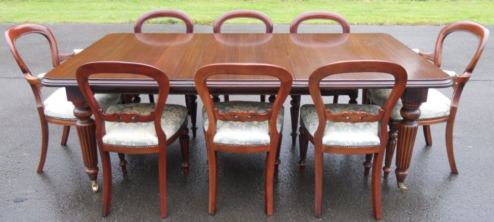 Reproduction Mahogany Dining Room Suite